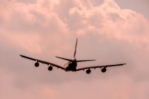 aircraft-1526567_1920
